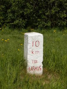 Jysk milesten genbrugt som km-sten