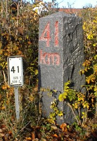 41 km sten + skilt